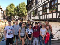 Frau Held mit Schülergruppe in Straßburg